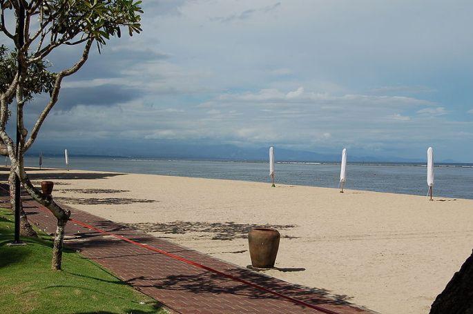 800px-Sanur_Beach
