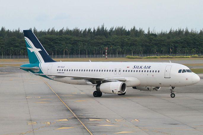 800px-SilkAir_A320-200(9V-SLD)_(4337249088)