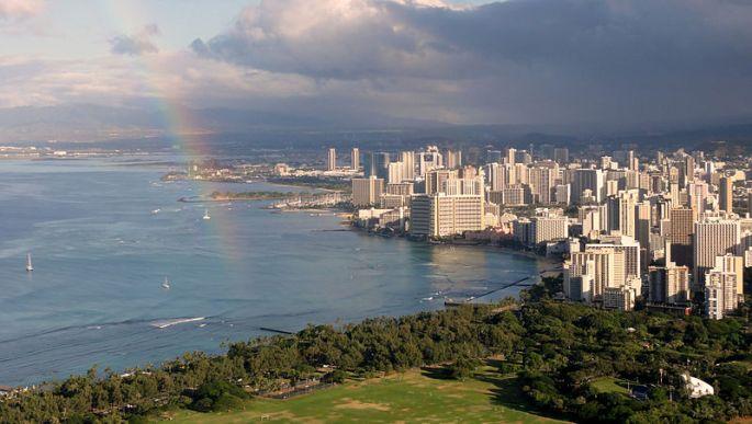 800px-Waikiki_view_from_Diamond_Head