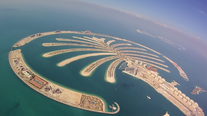 Dubai_Wingsuit_Flying_Trip_(7623566780)